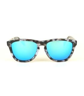 Ivory - Ice Blue Lenses