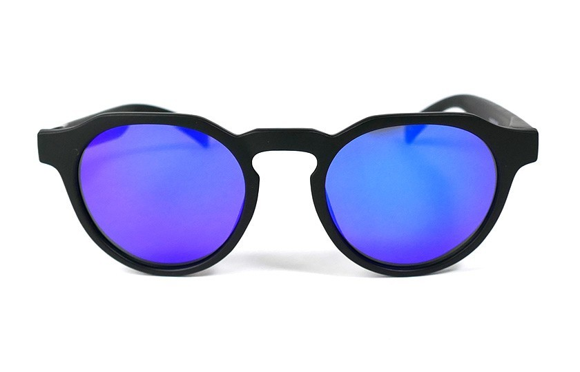 Black - Blue glasses - Black