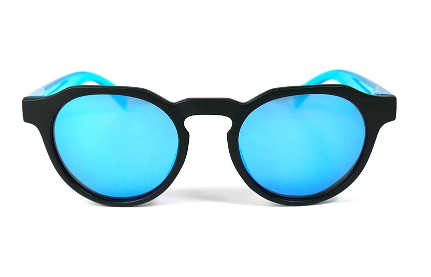Black - Ice Blue glasses - Light Blue